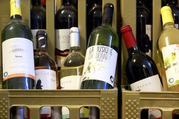 Wein: Pfandflaschen & Pfandkisten